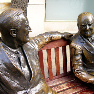 FDR-Churchill-Statue-London-e1461956316331